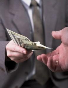 Die Zahlung der Abfindung erfolgt überwiegend freiwillig, abgesehen von bestimmten Ausnahmen.
