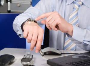 Eine Abmahnung wegen Zuspätkommen erhalten Sie in der Regel erst, wenn Sie häufiger unpünktlich sind.