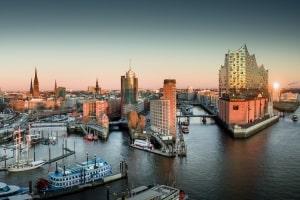 Viele Anwälte (insb. Fachanwälte für Arbeitsrecht) sind in Hamburg ansässig.
