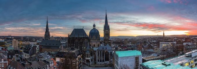 Sie suchen einen Anwalt, der in Aachen auf das Arbeitsrecht spezialisiert ist? Hier werden Sie fündig!