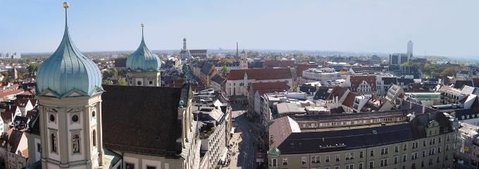 Ein Anwalt für Arbeitsrecht in Augsburg kann Ihnen Auskunft bei arbeitsrechtlichen Fragen geben.