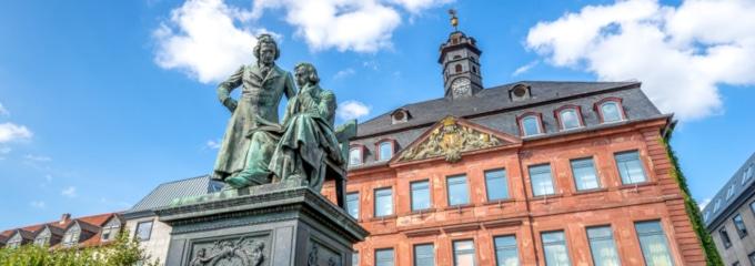 Sie haben Probleme mit Ihrem Arbeitgeber? Ein Anwalt für Arbeitsrecht in Hanau kann Sie über Ihre Rechte aufklären.