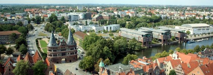 Vergütung, Überstunden, Kündigung und Co. - ein Anwalt für Arbeitsrecht in Lübeck hilft bei Fragen weiter.