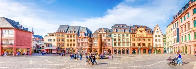 Anwalt für Arbeitsrecht: In Mainz finden Sie einen Experten für rechtliche Probleme im Beruf.