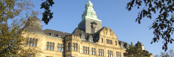 Sie suchen einen Anwalt für Arbeitsrecht in Recklinghausen? Wir geben Tipps für die erfolgreiche Suche.