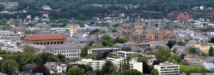 Anwalt für Arbeitsrecht: In Trier kann Sie dieser bei Problemen mit dem Chef unterstützen.