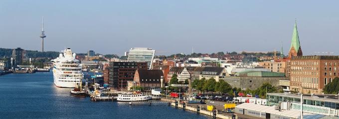 Ein Anwalt in Kiel, der auf Arbeitsrecht spezialisiert ist, kann Ihnen bei Fragen weiterhelfen.