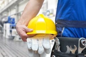 Arbeitshandschuhe für den Winter können vor Verletzungen durch Kälte schützen.