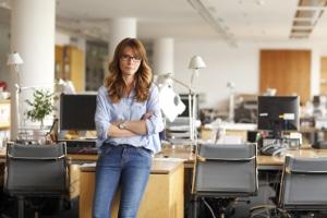 Gerade am Arbeitsplatz ist Ergonomie wichtig. Beschäftigte müssen einen gewissen Bewegungsfreiraum besitzen.