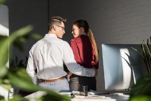 Ab wann handelt es sich am Arbeitsplatz um sexuelle Belästigung?
