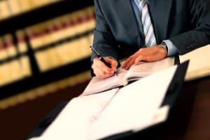 Wie finden Sie einen im Arbeitsrecht versierten Anwalt in Chemnitz?