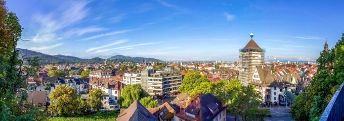 Fragen zum Arbeitsrecht: Ein Anwalt in Freiburg kann Ratsuchenden weiterhelfen.