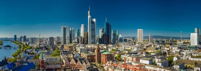Arbeitsrecht: Ein in Frankfurt ansässiger Anwalt kann Arbeitnehmern mit Rat und Tat zur Seite stehen.