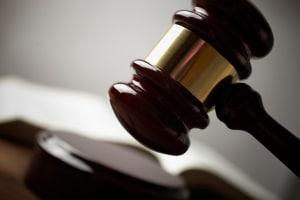 Arbeitsrecht: Fristlose Kündigung nach ordentlicher Kündigung setzt eine Pflichtverletzung voraus.