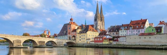 Fragen zum Arbeitsrecht? Auch in Regensburg ist ein Anwalt für Arbeitsrecht selten fern.