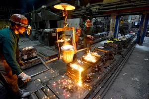 Das Arbeitsschutzgesetz und die Arbeitstättenverordnung erlauben Hitzearbeit nur unter Einhaltung bestimmter Vorschriften.