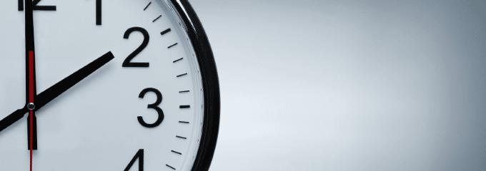Im folgenden Ratgeber finden Sie zur Arbeitszeit eine allgemeine Definition sowie einen kurzen Überblick über die wichtigsten Fakten zur gesetzlichen Arbeitszeit in Deutschland.