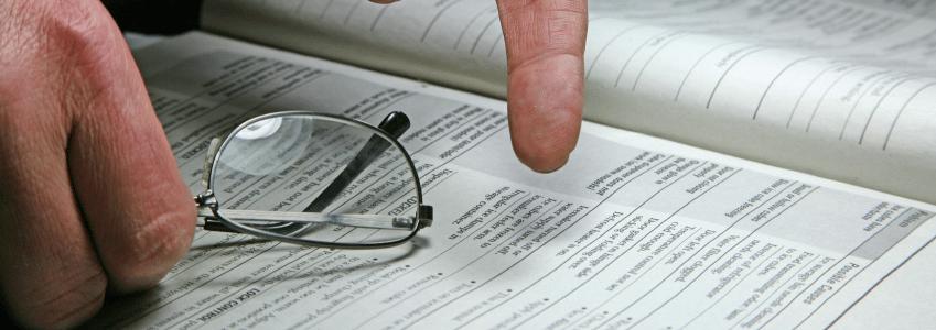 Das Arbeitszeugnis folgt einer Form, die mittlerweile standardisiert ist.