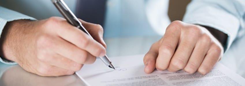 Befristete Arbeitsverträge müssen schriftlich vereinbart werden, damit sie gültig sind (§ 14 Teilzeit- und Befristungsgesetz).