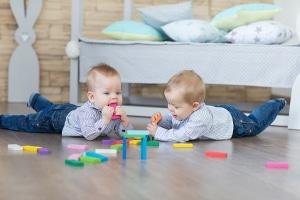 Beginn der Elternzeit als Vater: Ab der Geburt des Kindes können Sie sich unbezahlt freistellen lassen.