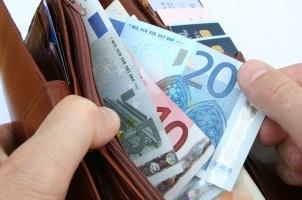 Die Betriebsvereinbarung kann auch Sonderzahlungen beschließen, die sich positiv auf das Gehalt auswirken.