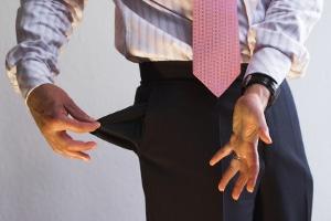 Der Chef zahlt den Lohn nicht? - Die fristlose Kündigung ist nach einer Abmahnung möglich.