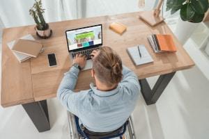Viele Unternehmen setzen auf Corona-konforme Teamevents im Homeoffice.