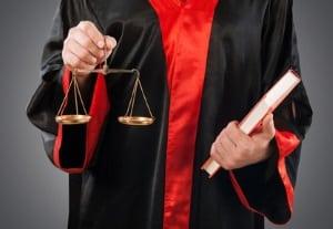 """Das Thema """"Diebstahl auf der Arbeit"""" landet häufig vor Gericht."""