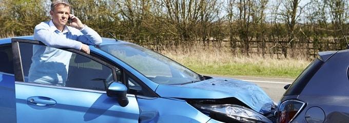 Passiert bei einer Dienstreise mit dem Privat-Pkw ein Unfall, muss der Arbeitgeber nicht immer dafür haften.