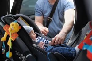 Wie wirkt sich die Elternteilzeit für Väter auf das Elterngeld aus?