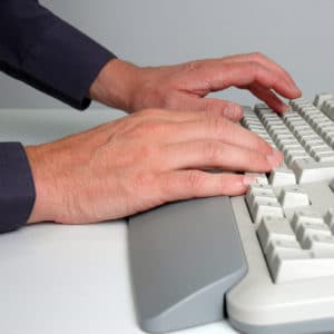 ergonomie tastatur mit handballenauflage