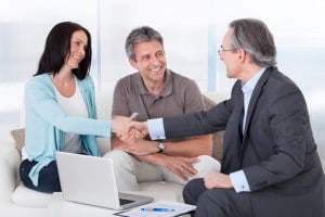 Eine fristlose Kündigung während der Probezeit sollte durchdacht sein. Eventuell ist ein Anwalt hilfreich.