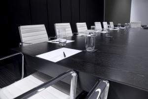 GefstoffV: Der Ausschuss für Gefahrstoffe macht Vorschläge für einen besseren Arbeitsschutz.