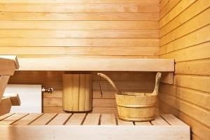 Kein Hitzearbeitsplatz: Arbeit in der Sauna fällt nicht unter Hitzearbeit. Aber auch hier gibt es Sicherheitsvorschriften.