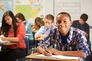Das Jugendarbeitsschutzgesetz schützt Jugendliche vor den Gefahren am Arbeitsplatz.