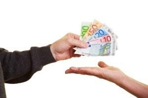 Für das Krankengeld erfolgt die Auszahlung von der Krankenkasse auf das Konto des Versicherten.