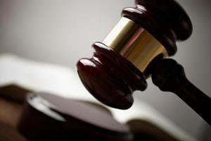 Bei Erfolg der Kündigungsschutzklage kann eine Abfindung vom Gericht angeordnet werden.