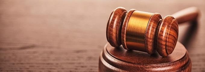 Kündigungsschutzklage: Eine außerordentliche Kündigung kann dazu führen, wenn sich Zweifel an ihrer Wirksamkeit ergeben.