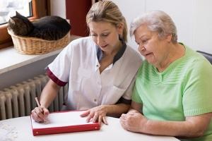 Der Mangel an Pflegekräften betrifft vor allem die Fachkräfte.