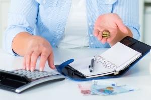 Midijob: Für die Krankenversicherung müssen Arbeitnehmer einen Zusatzbeitrag zahlen.