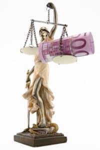 Der Mindestlohn ist ein Gehalt, dessen Höhe durch den Staat oder Tarifverträge festgelegt ist.