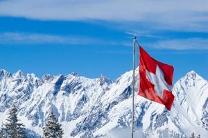 Ein Anspruch auf Mindestlohn bei einem Praktikum in der Schweiz ist durchaus möglich.