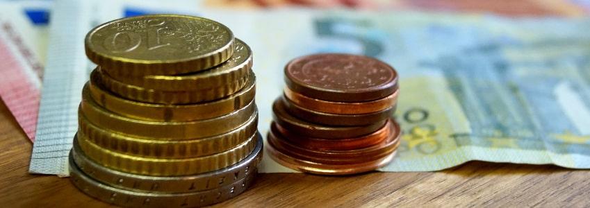 Im Mindestlohngesetz ist festgehalten: Eine Mindestlohnerhöhung ist möglich. Unter anderem daran beteiligt, ist die Mindestlohnkommission.