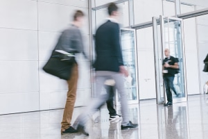 Die Pausenregelung verbietet Beschäftigten nicht, das Betriebsgelände zu verlassen.