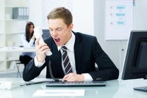 Eine Prämie vom Arbeitgeber soll einen Streik verhindern. Häufig sorgen schlechte Arbeitsbedingungen für Ärger.