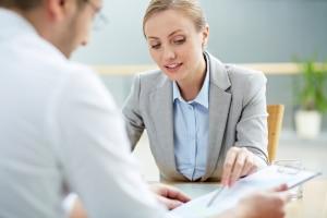 Beim Fachmann können Sie Ihr Praktikumszeugnis beglaubigt übersetzen lassen.