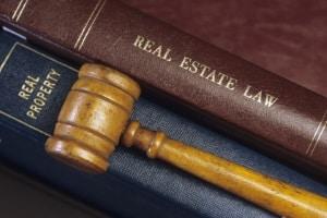 Im Arbeitsrecht hat im Regelfall jeder das Recht zur fristlosen Kündigung aus wichtigem Grund.