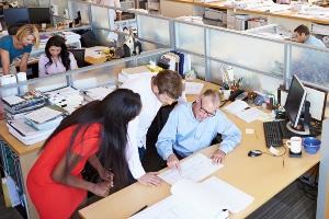 Rechte und Pflichten: Die Hauptpflicht des Arbeitnehmers ist die Erbringung der Arbeitsleistung.