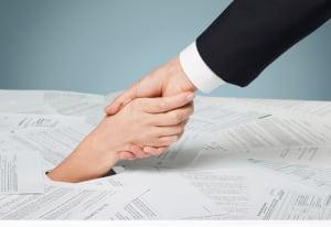 Ein Rechtsanwalt für Arbeitsrecht in Greifswald kann Ihnen auch bei Unklarheiten in Arbeitsverträgen helfen.