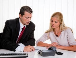 Ein Rechtsanwalt für Arbeitsrecht, der in Wolfsburg praktiziert, kann Arbeitgeber und Arbeitnehmer unterstützen.